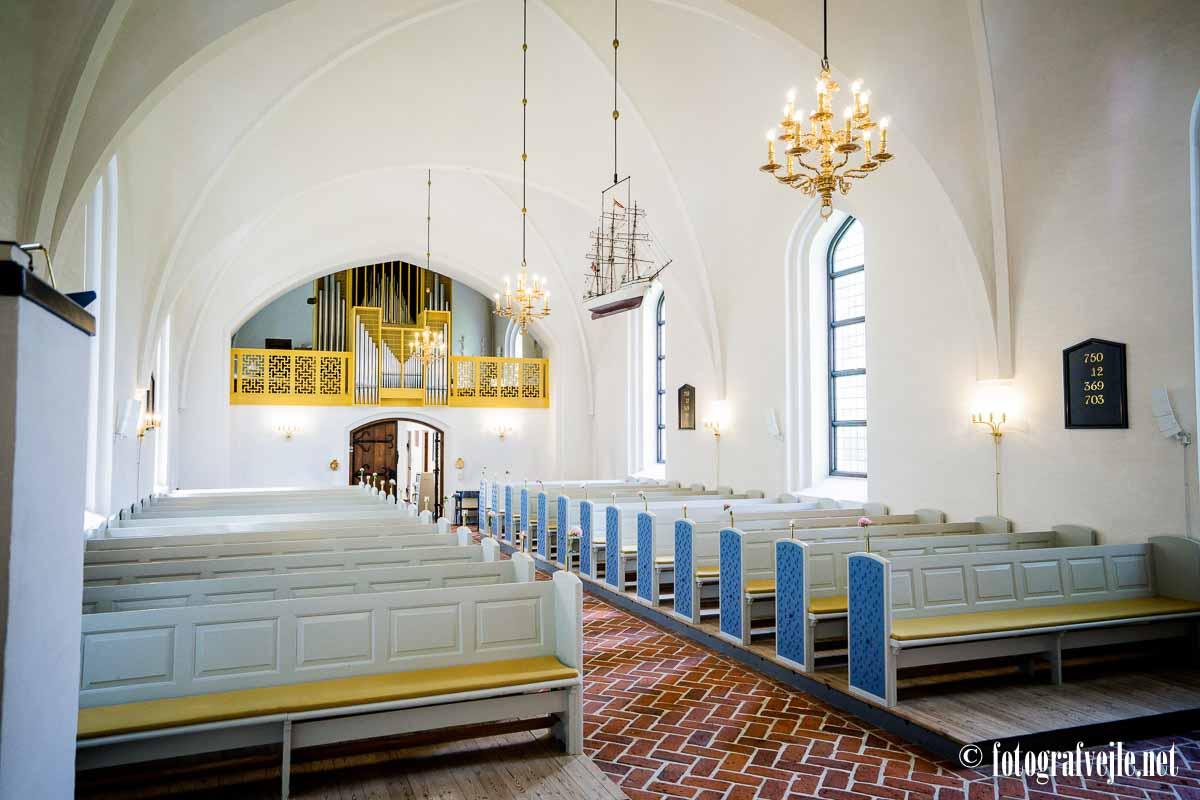 Indeni Mølholm kirke vejle