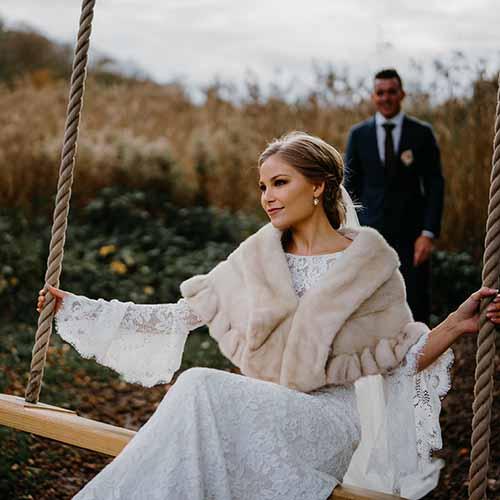Søger du en bryllupsfotograf? - Indhent tilbud fra fotografer